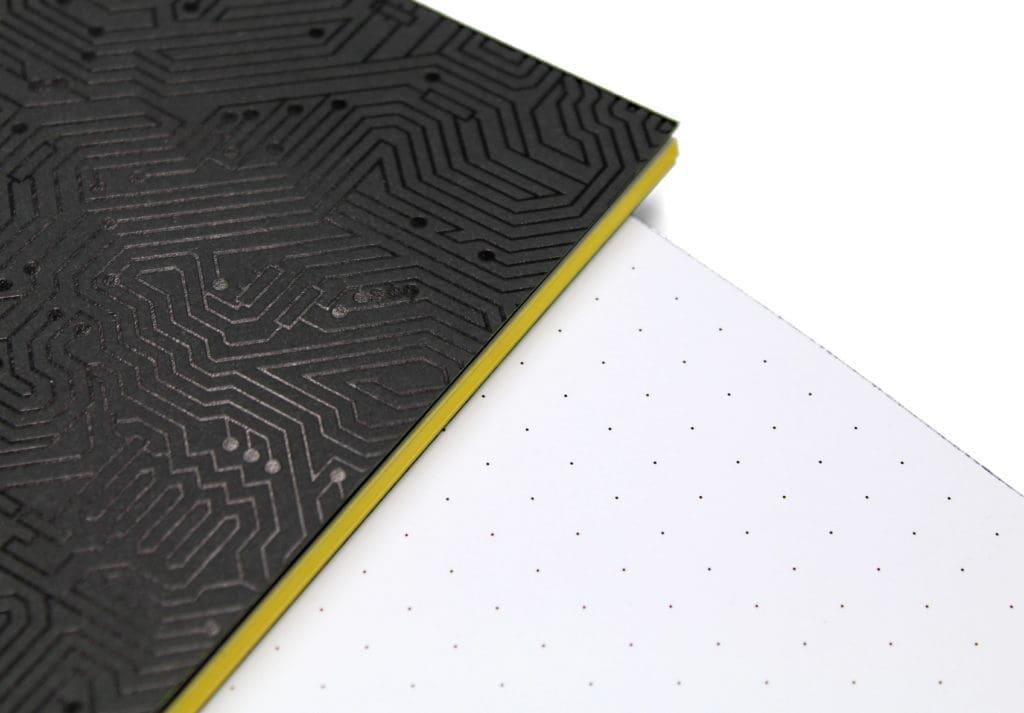 quaderno digital identity bordo colorato
